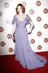 Christina Hendricks in violett
