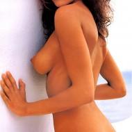 Nun lässt auch Elisabetta Canalis die Hüllen fallen