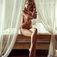 Candice Swanepoels Turban sorgt für Aufregung