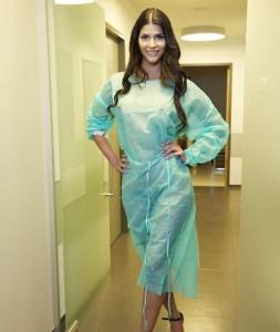 Micalea beim Schönheitschirurgen