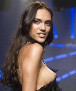 Model Dalianah Arekion