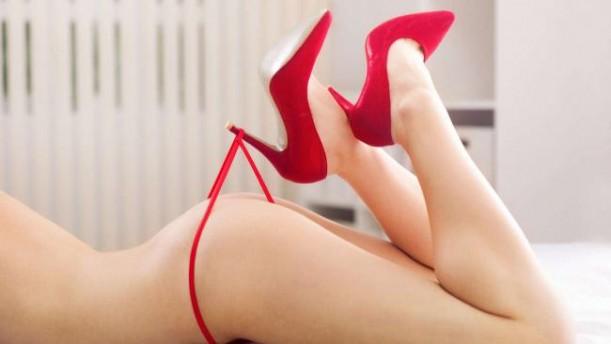 Rote Dessous - Verwöhnung pur