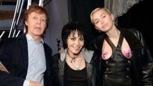 Paul McCartney und Joan Jett machten Bekanntschaft mit Mileys Brüsten