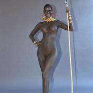 Micaela Schäfer: nackt und mit schwarzer Hautfarbe